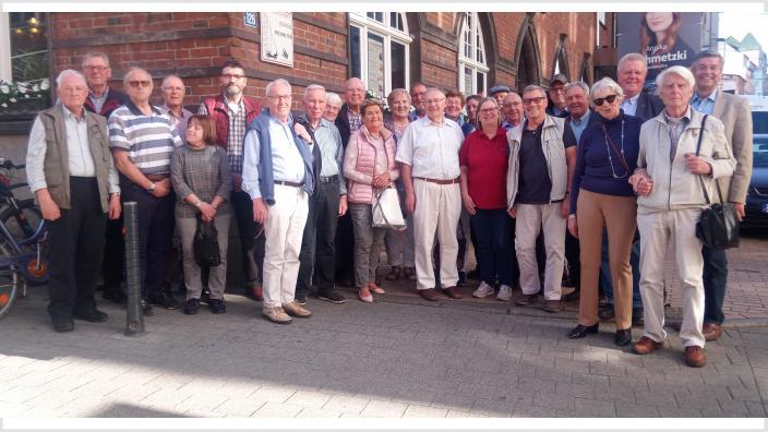 Die 30 Teilnehmenden aus dem Kreis RD-ECK am Drei-Länder-Kongress der Senioren-Union in Schwerin